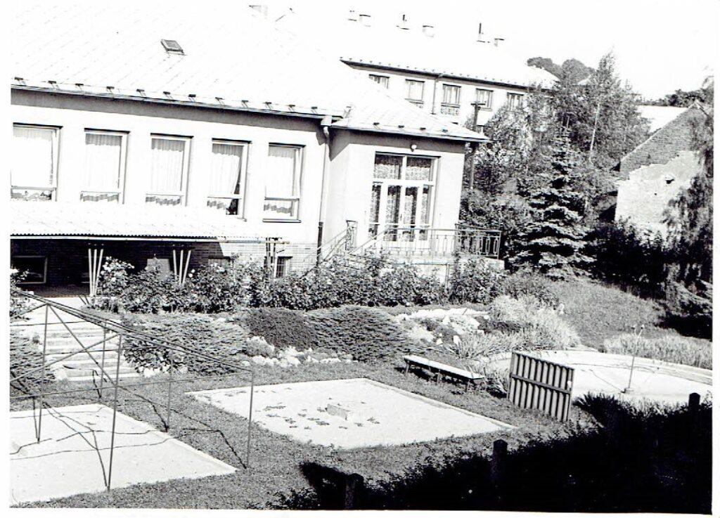 Historická budova mateřské školy Prachovice